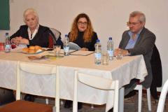 Beszélgetés Hogya Gyögy prózaíróval és Weinrauch Katalin,  beregszászi íróval megjelent prózaköteteikről.  A rendezvény házigazdája: Pecsők Mariann